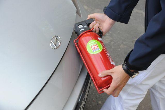 Informācija autovadītājam ugunsdrošība automašīnā hyundai halbe