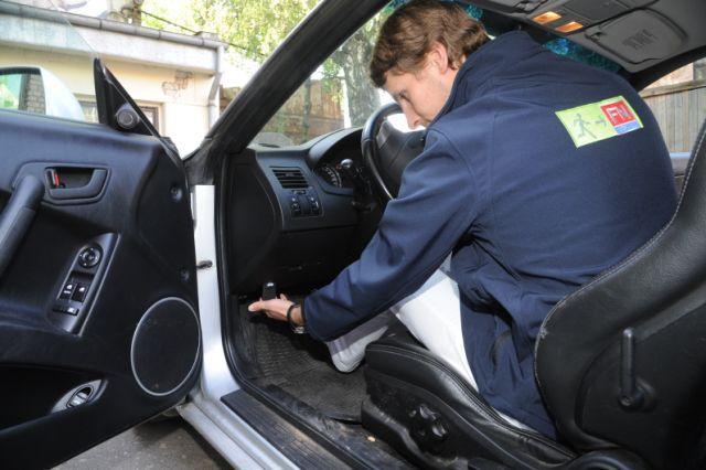 Informācija autovadītājam ugunsdrošība automašīnā auto durvis