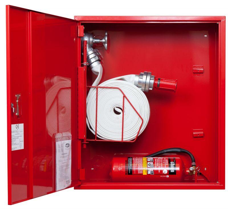 Sarkana ugunsdzēsības krānu kaste ar grozu