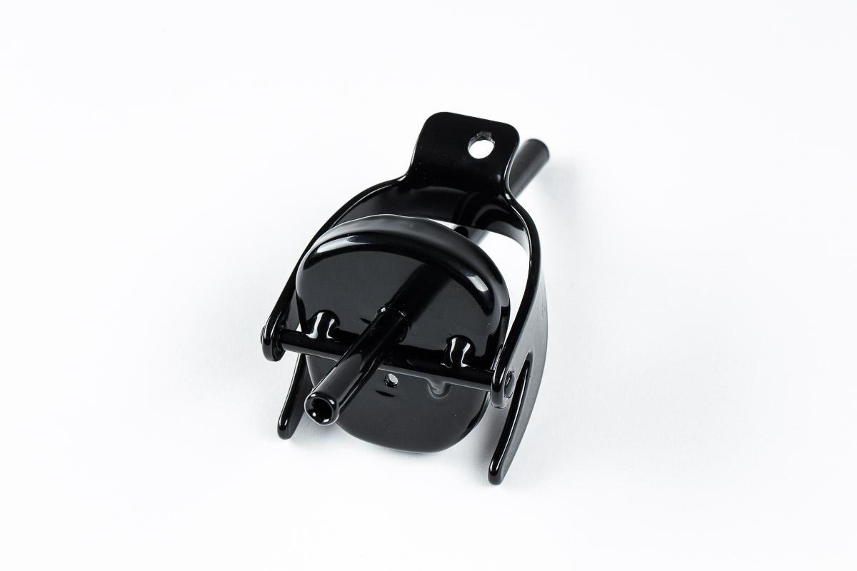 Melns adapteris degvielas kannai viena caurulīte
