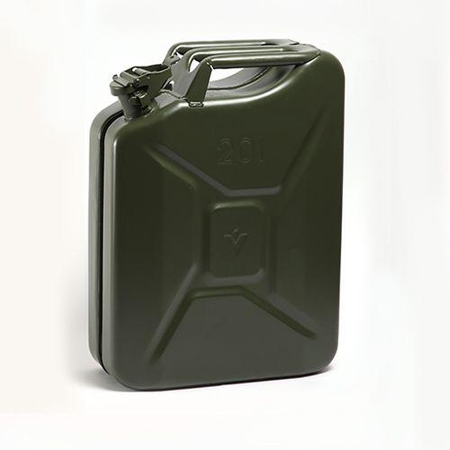 Melna degvielas kanna