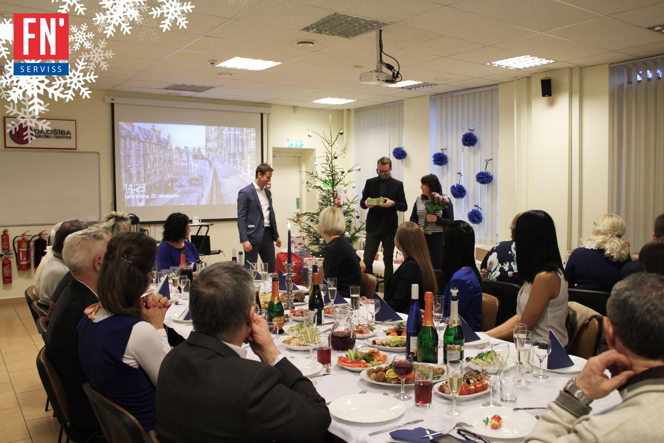 Lapa 2016 gada ziemassvētku balle