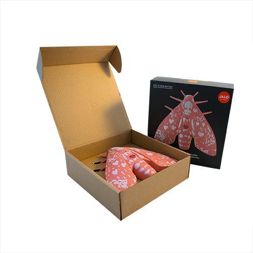 Rozā dūmu detektors kukainis atvērta kastīte