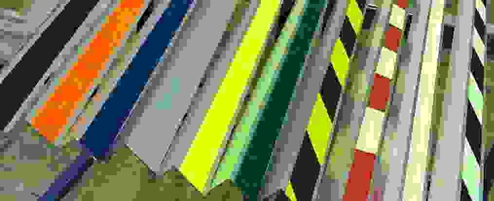 Alumīnija pretslīdes profili dažādās krāsās