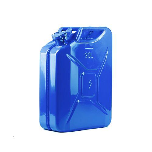 Zila metāla kanna ūdenim