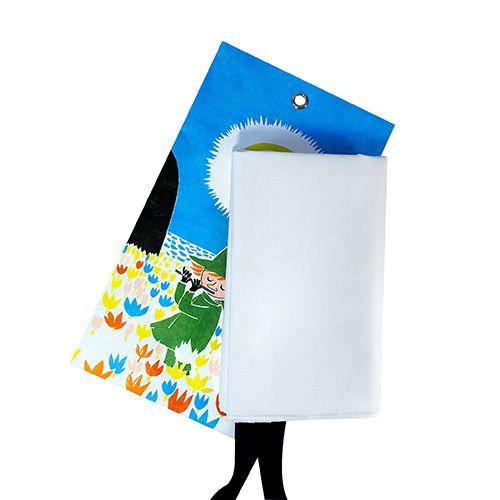 Krāsains gunsdzēsības pārklājs somā pavasaris