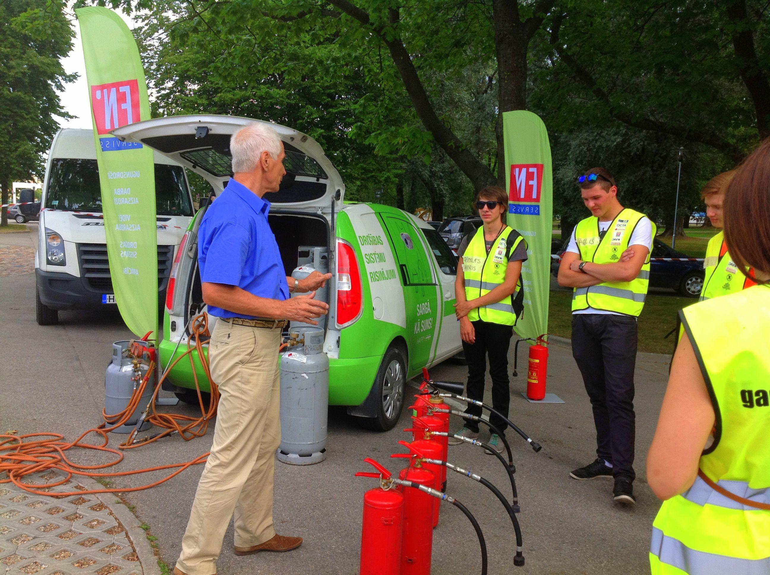 sia fn-serviss_gada autovaditajs Ventspils_zebra_2014