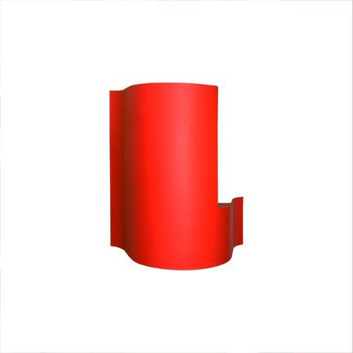 Sarkans ugunsdzēsības aparātu statīvs